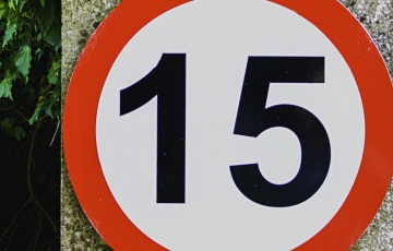15mph speed sign